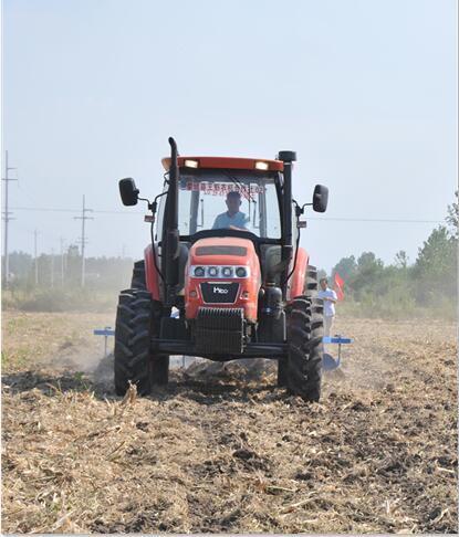 加大投入三大亮点 安徽蒙城农机托管作业多方受益