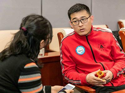 北京'80后'农民助力冬奥运动