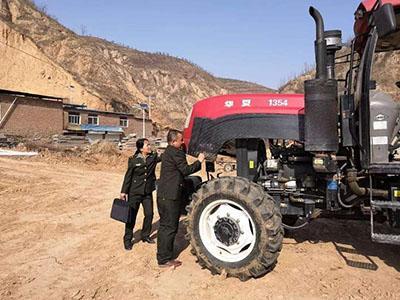 北京开展冬季农机安全生产宣传