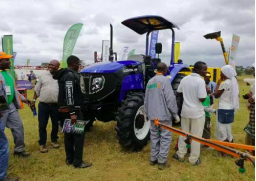"""雷沃闪耀赞比亚农机展 赞比亚总统""""接见""""雷沃拖拉机"""