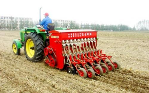 从畜拉人扛到智慧农机 农业机械化经历了什么?