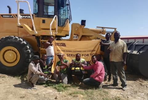 雷沃工程机械走进莫桑比克
