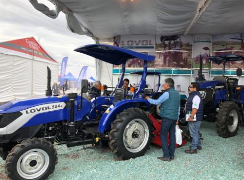 雷沃重工携多款高性能拖拉机亮相墨西哥瓜纳华托农业博览会