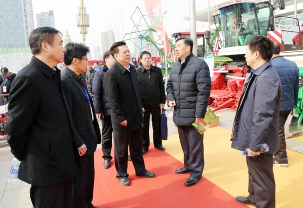 山东省农机研发创新成果展成功举办